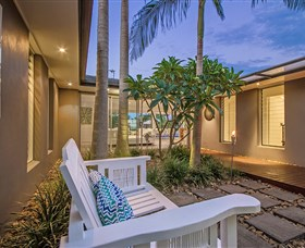 Malibu Shores At Vogue Holiday Homes - Accommodation in Surfers Paradise