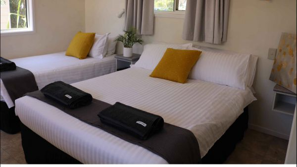 Mataranka Roadhouse and Cabins - Accommodation in Surfers Paradise