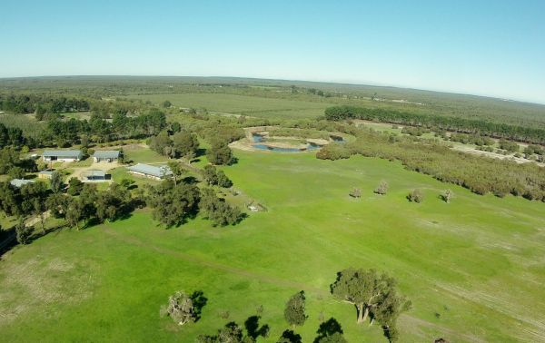Sandy Lake Farm Stay Accommodation Gingin WA - Accommodation in Surfers Paradise