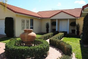 Casa Pizzini Bed and Breakfast - Accommodation in Surfers Paradise