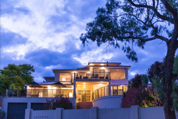 Eugenie's Luxury Accommodation - Accommodation in Surfers Paradise