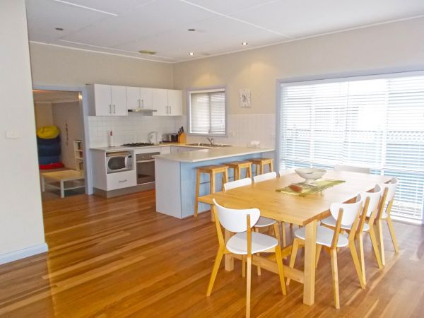 Caravel at Currarong - Accommodation in Surfers Paradise