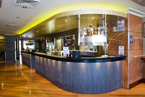The Crown Hotel Motel - Accommodation in Surfers Paradise
