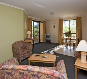 Kingston Court Serviced Apartments - Accommodation in Surfers Paradise