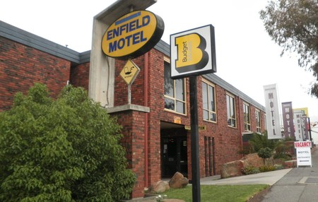 Enfield Motel - Accommodation in Surfers Paradise