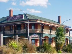 Streaky Bay Hotel Motel - Accommodation in Surfers Paradise