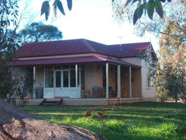 Baranduda Homestead BB Cottages - Accommodation in Surfers Paradise