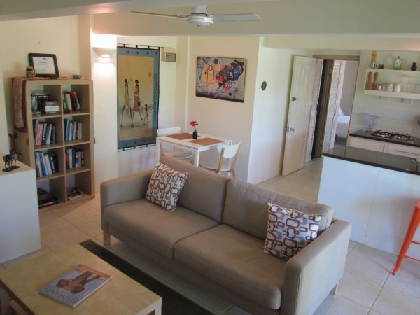Bangalow Studio Apartment - Accommodation in Surfers Paradise