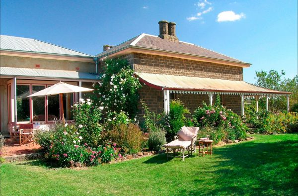 Lochinver Farm Homestead and Cottages - Accommodation in Surfers Paradise