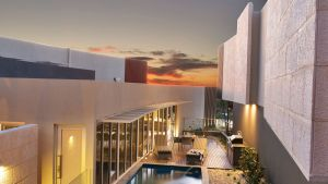 The Frames - Luxury Riverland Accommodation - Accommodation in Surfers Paradise