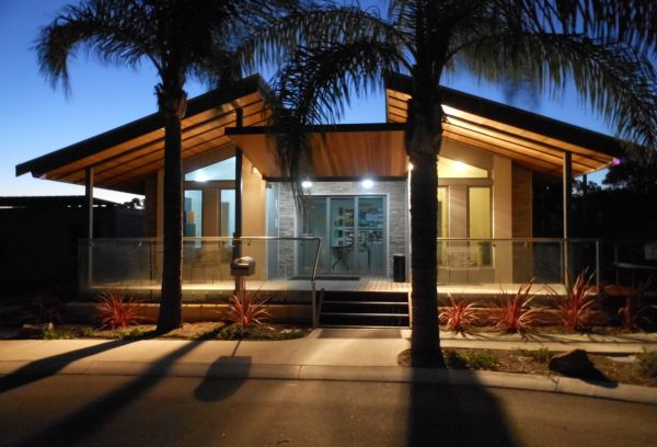 Midland Tourist Park - Accommodation in Surfers Paradise