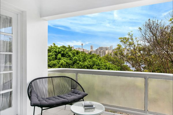 New Beach Apartment - Accommodation in Surfers Paradise