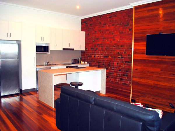 Sublime Spa Apartments on Murphy - Accommodation in Surfers Paradise