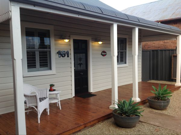 Thelma's Temora - Accommodation in Surfers Paradise