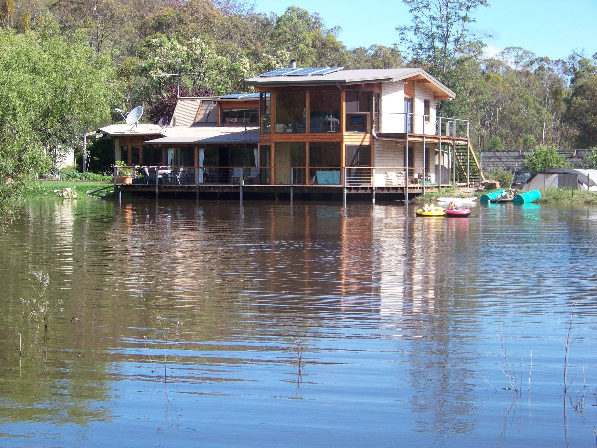 Lakeside Lodge - Accommodation in Surfers Paradise