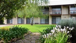 Coonawarra Motor Lodge - Accommodation in Surfers Paradise