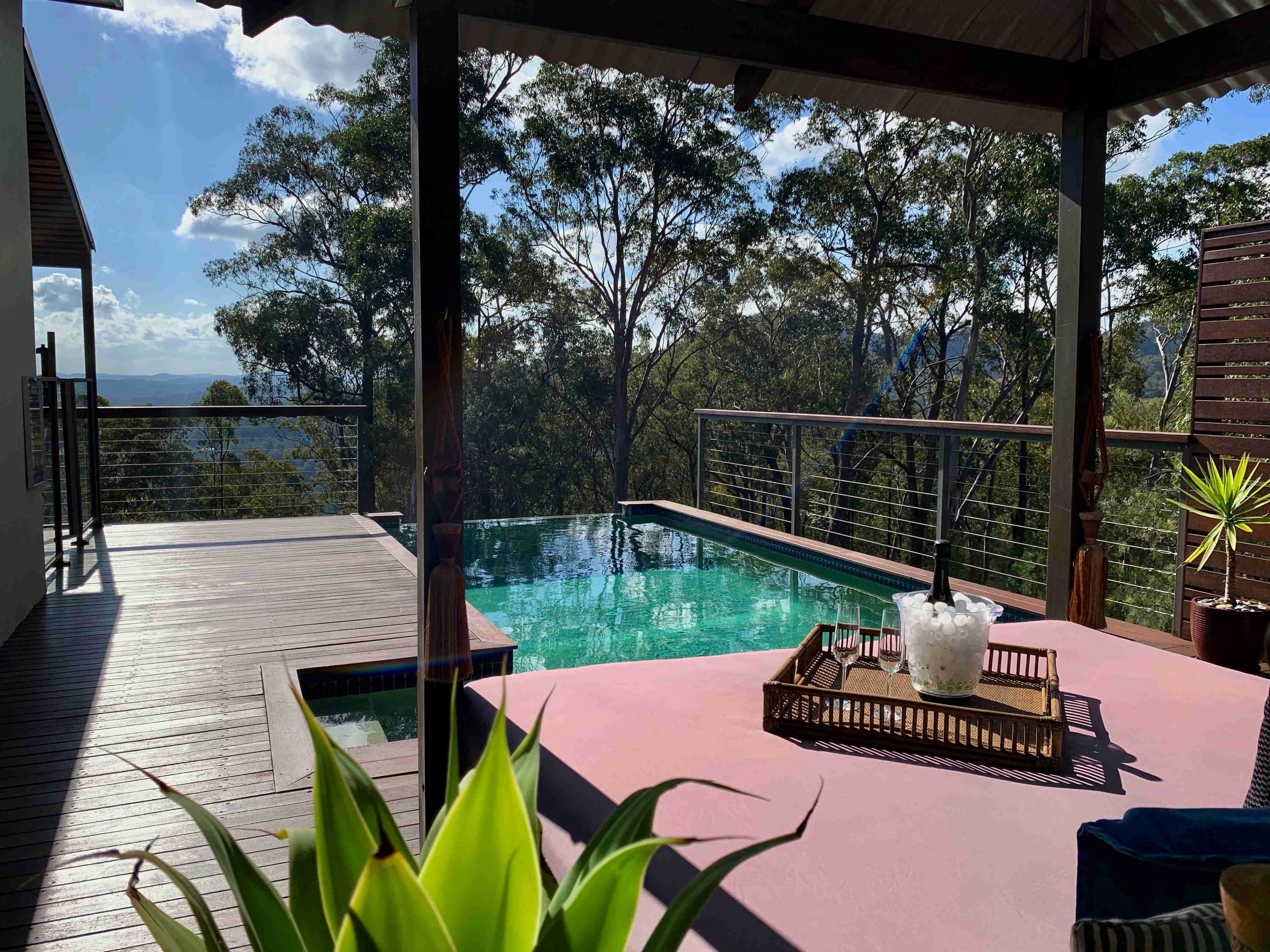 Wild Edge Retreat - Accommodation in Surfers Paradise