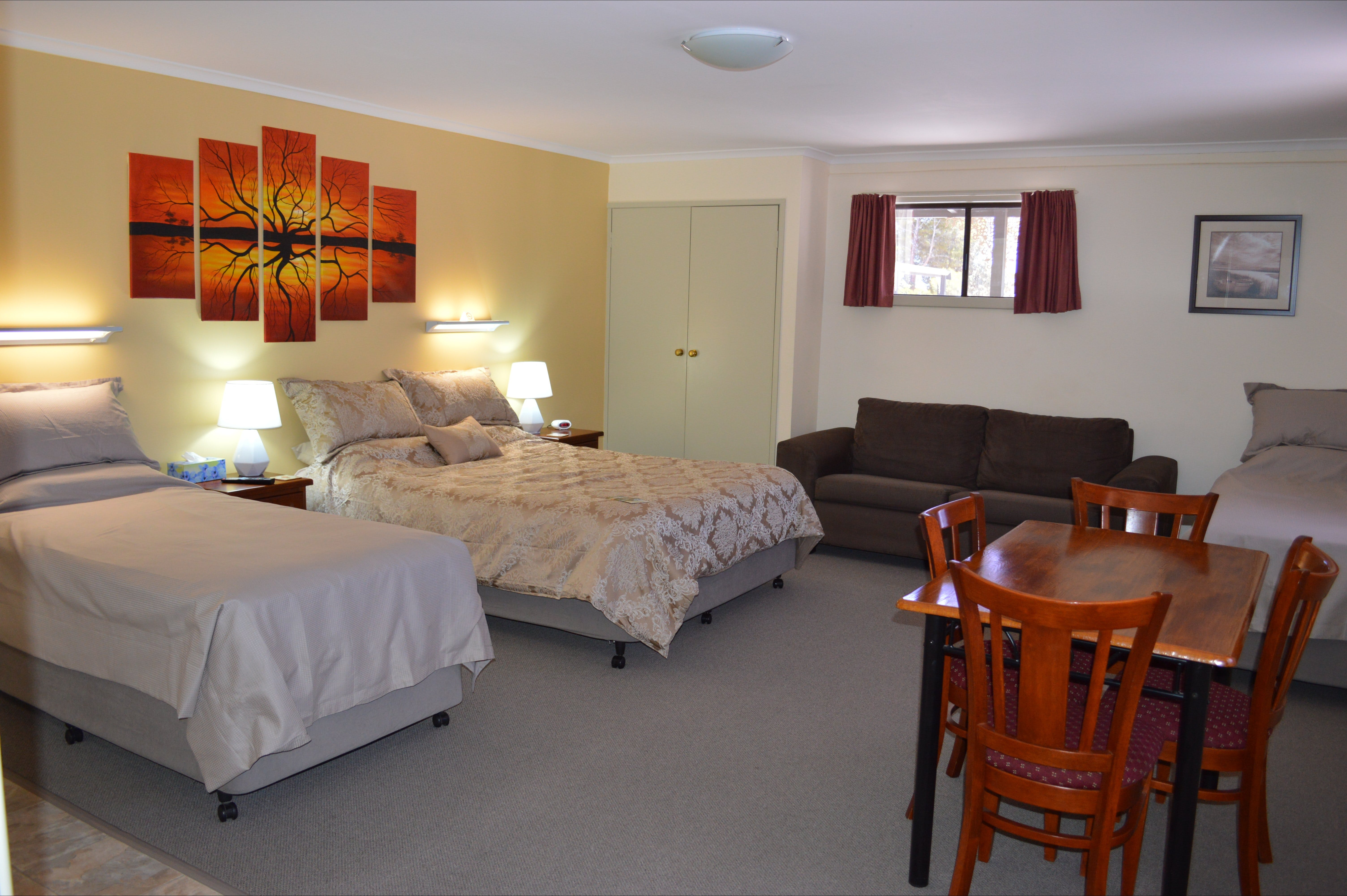 Morgan Colonial Motel - Accommodation in Surfers Paradise