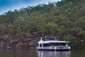 Able Hawkesbury River Houseboats - Kayaks and Dayboats - Accommodation in Surfers Paradise