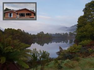 Tullah HideAway - Lakeside  Mountain Views - Accommodation in Surfers Paradise