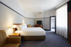 Brassey Hotel - Accommodation in Surfers Paradise