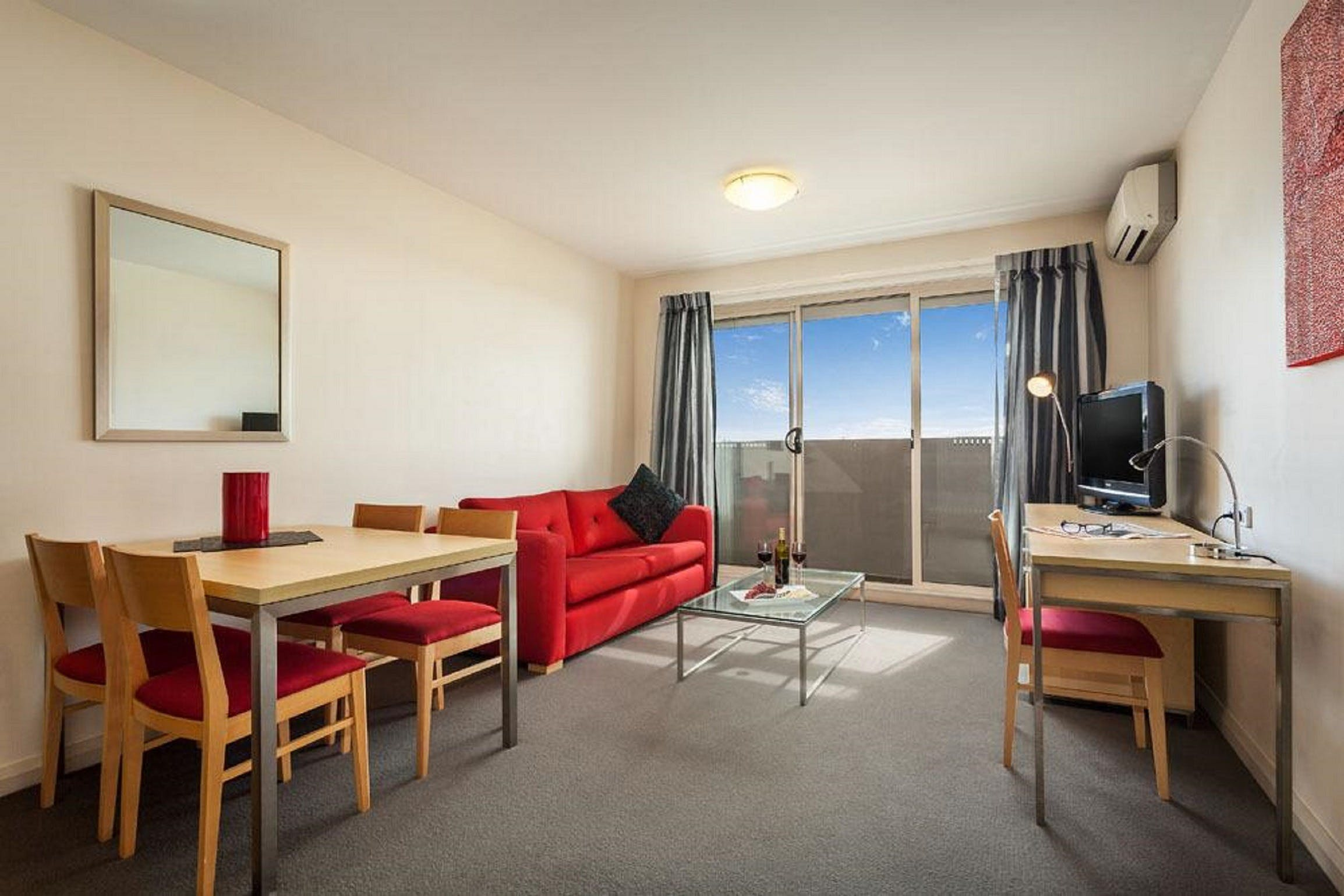 Quest Castle Hill Serviced Apartments - Accommodation in Surfers Paradise