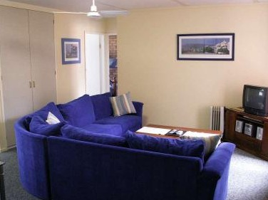 Westwood Motor Inn - Accommodation in Surfers Paradise