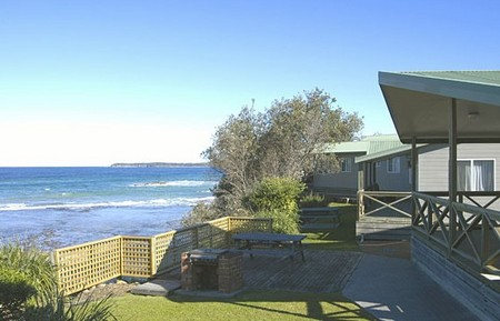 Berrara Beach Holiday Chalets - Accommodation in Surfers Paradise