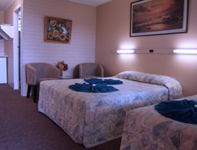 Whitsunday Palms Motel - Accommodation in Surfers Paradise