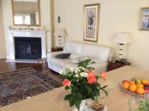 Linden Tree Manor - Accommodation in Surfers Paradise