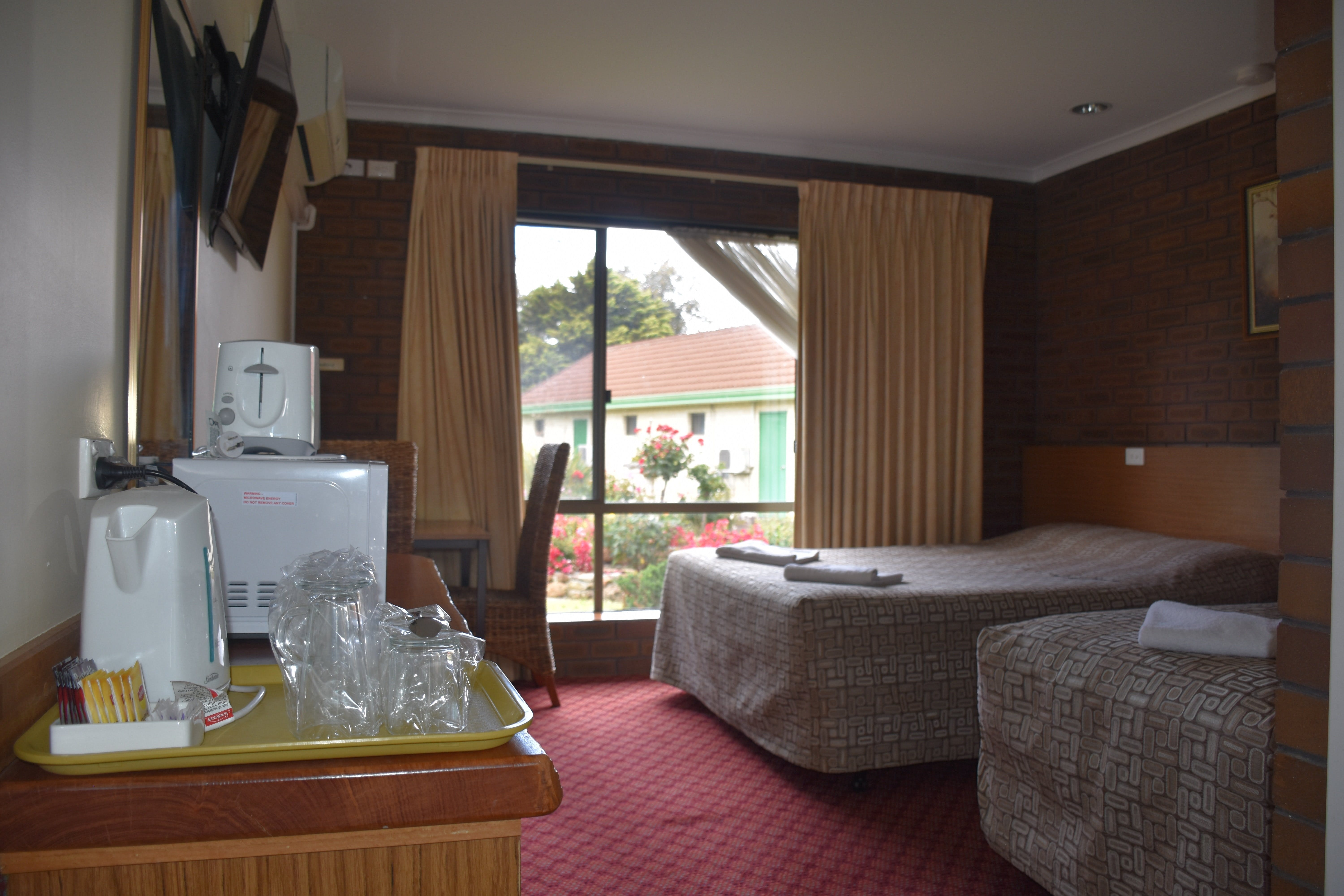 Mount Barker Valley Views Motel and Chalets - Accommodation in Surfers Paradise