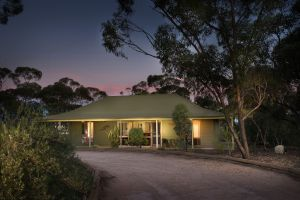 Riverbush Cottages - Accommodation in Surfers Paradise