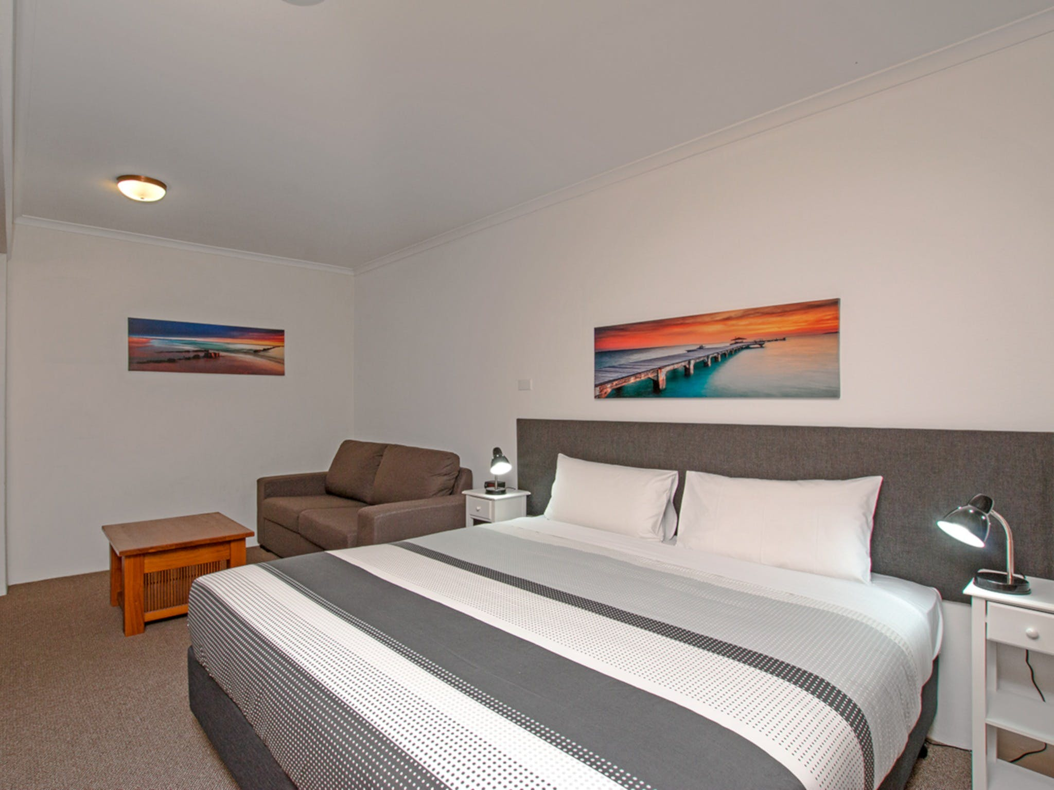 River Street Motel - Accommodation in Surfers Paradise
