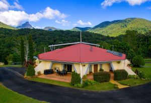 A View of Mount Warning Bed and Breakfast - Accommodation in Surfers Paradise