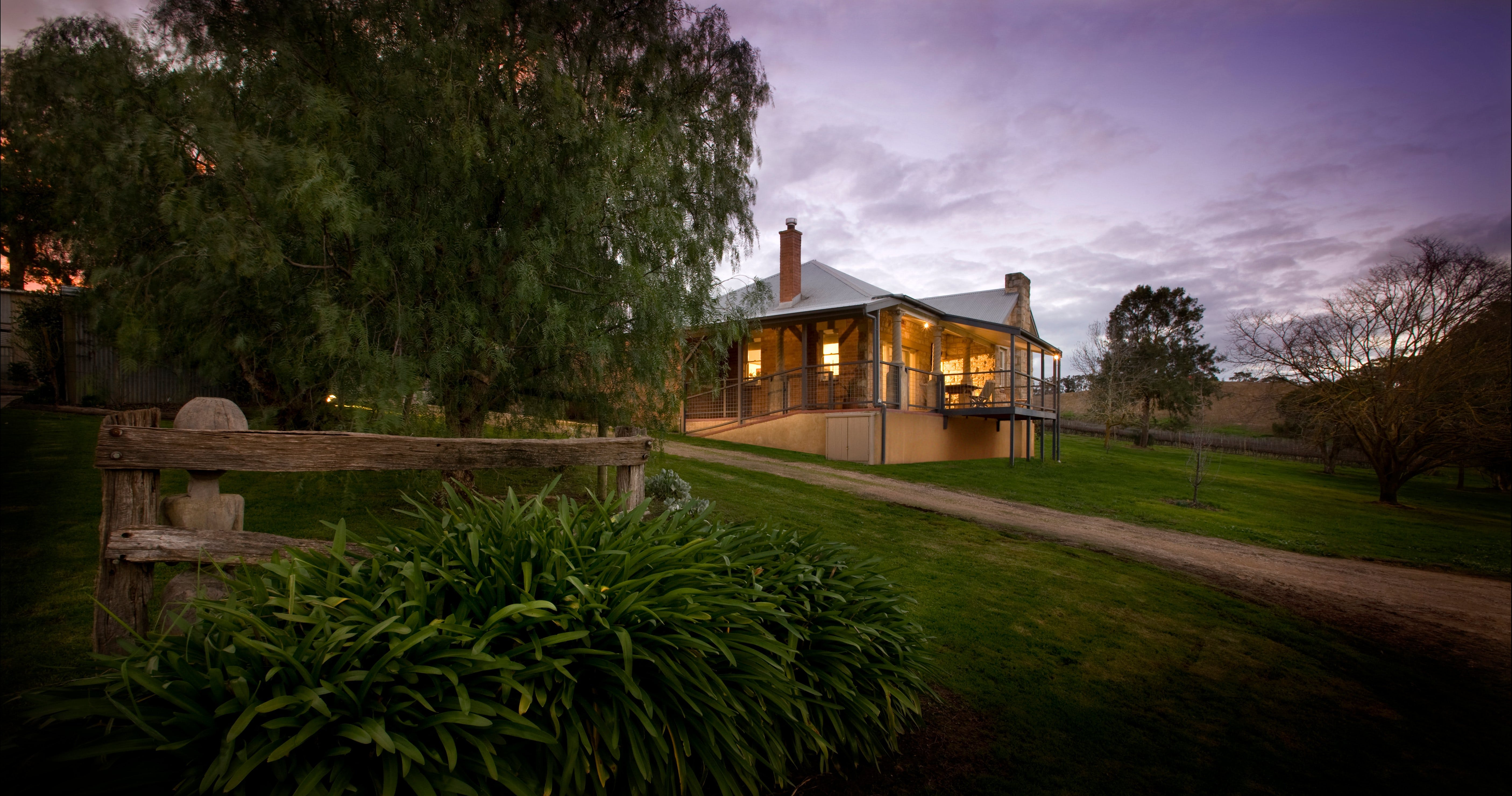 Longview Vineyard Accommodation - Accommodation in Surfers Paradise