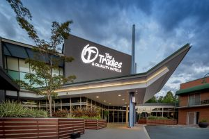 Quality Hotel Dickson - Accommodation in Surfers Paradise