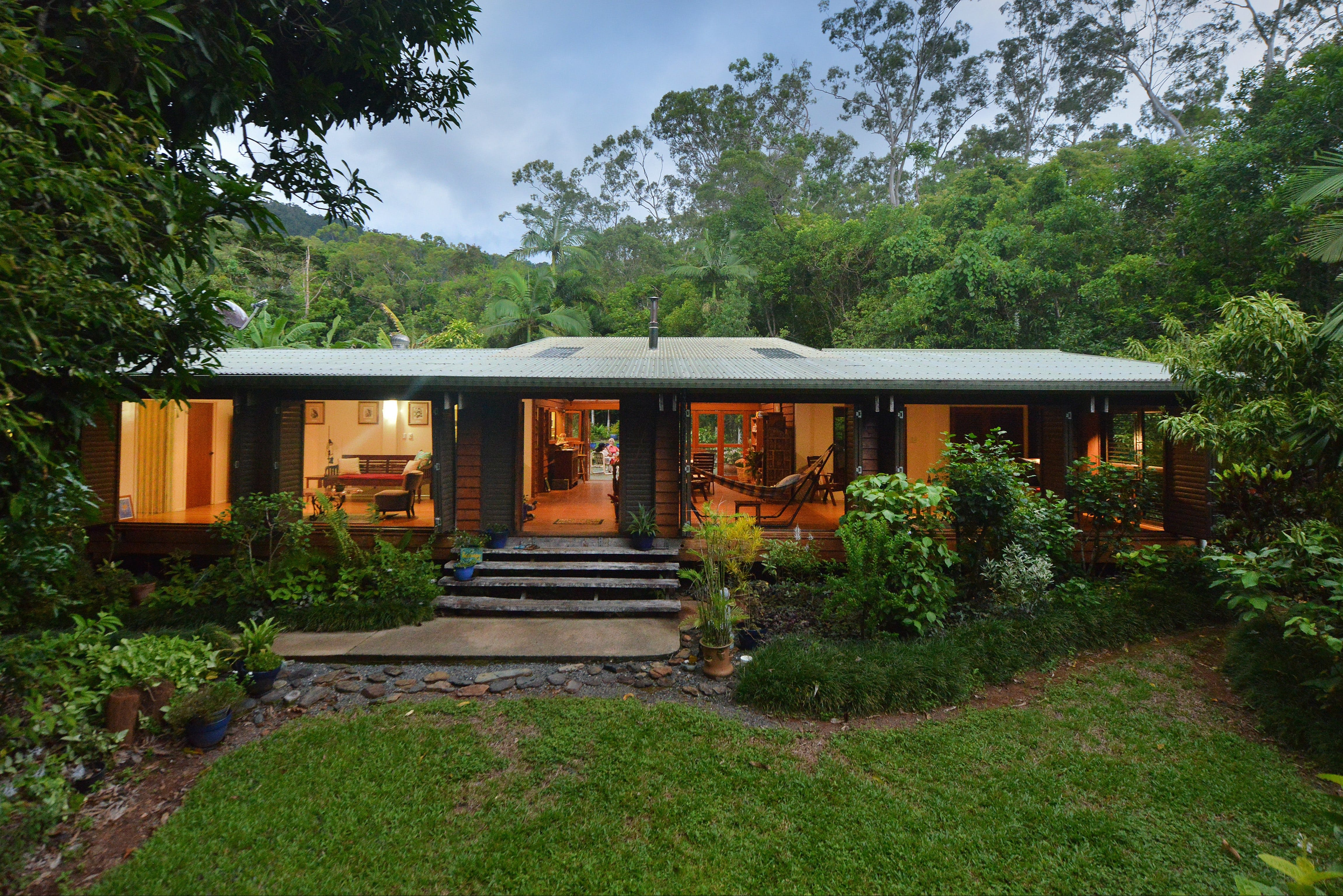 Cow Bay Homestay Bed and Breakfast - Accommodation in Surfers Paradise
