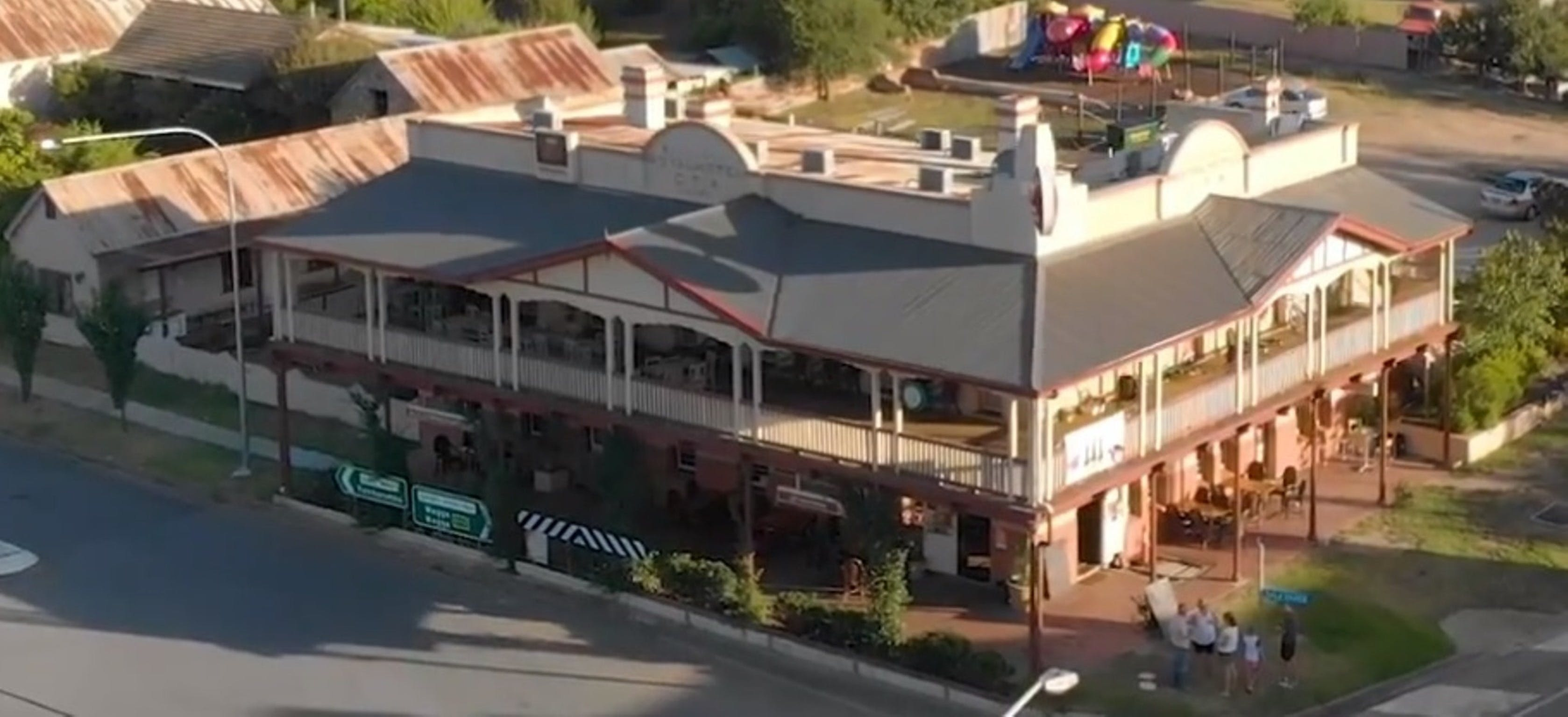 Royal Hotel Adelong - Accommodation in Surfers Paradise