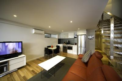 5 Knots Metung - Accommodation in Surfers Paradise
