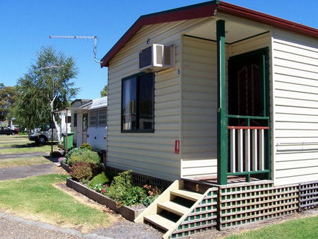 Leongatha Apex Caravan Park - Accommodation in Surfers Paradise