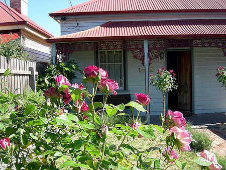 Airleigh - Rose Cottage - Accommodation in Surfers Paradise