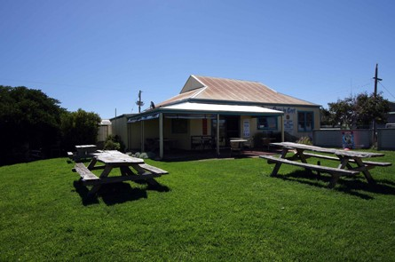 Apostles Camping Park and Cabins - Accommodation in Surfers Paradise