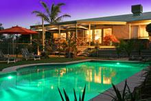 Weeroona - Accommodation in Surfers Paradise