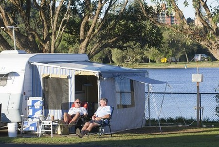 Shaws Bay Holiday Park - Accommodation in Surfers Paradise