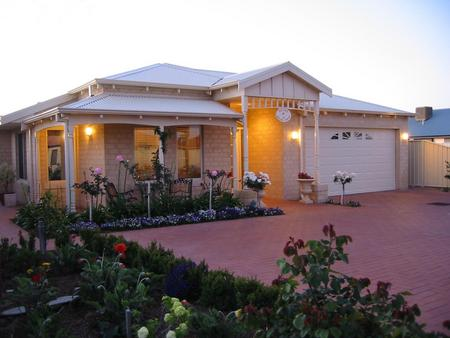 Sussex on Willis Cove Bed and Breakfast - Accommodation in Surfers Paradise