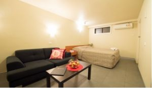 Liberty Plains Motor Inn - Accommodation in Surfers Paradise