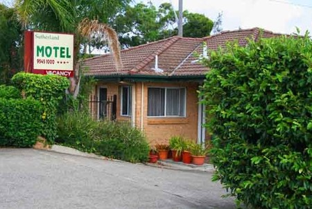 Sutherland Motel - Accommodation in Surfers Paradise