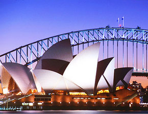 Sydney Opera House - Accommodation in Surfers Paradise