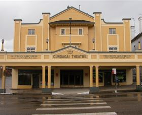 Gundagai Emporium - Accommodation in Surfers Paradise