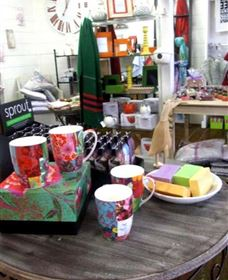 The Famous Tinonee Cafe and Gift Shop - Accommodation in Surfers Paradise